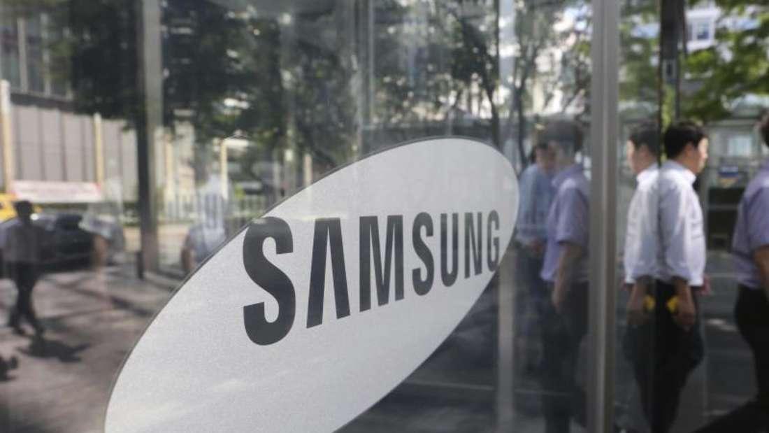 Samsung hat auf dem Markt für Displays und Smartphones zu kämpfen. Foto: Ahn Young-Joon/AP/dpa