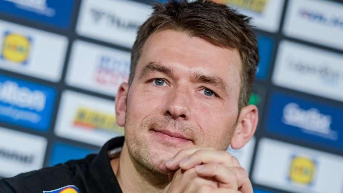 Hat mit dem DHB-Team für die EM 2020 Norwegen, Österreich und Schweden zugelost bekommen: Bundestrainer Christian Prokop. Foto: Axel Heimken