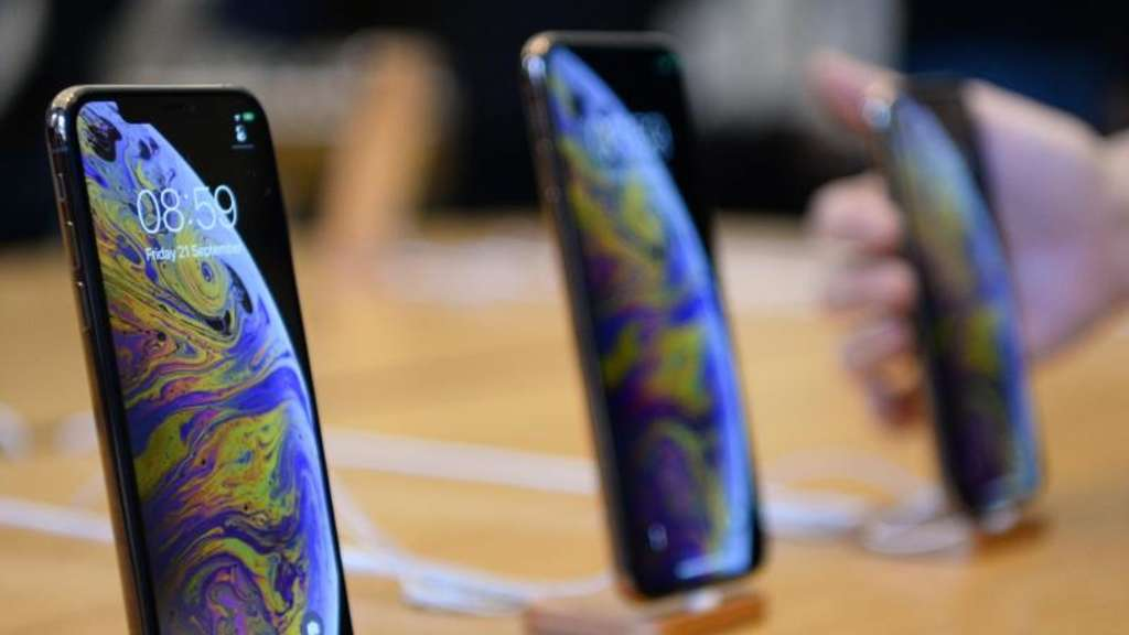 Die iPhone-Modelle iPhone XS und iPhone XS Max sind in einem Apple Store in London zu sehen. Foto: Kirsty O&#39connor/PA Wire