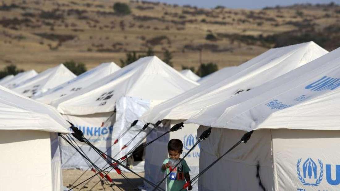 Flüchtlingslager im Norden Griechenlands: Hierhin bringt die griechische Regierung Migranten, um die überfüllten Lager im Osten der Ägäis zu entlasten. Foto: Giannis Papanikos/AP