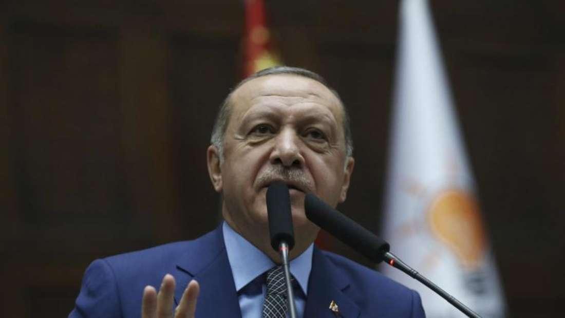Laut dem türkischen Präsidenten Recep Tayyip Erdogan ist die Frage immer noch nicht geklärt, wer das 15-köpfige Killer-Kommando aus Saudi-Arabien geschickt habe. Foto: Presidential Press Service/AP