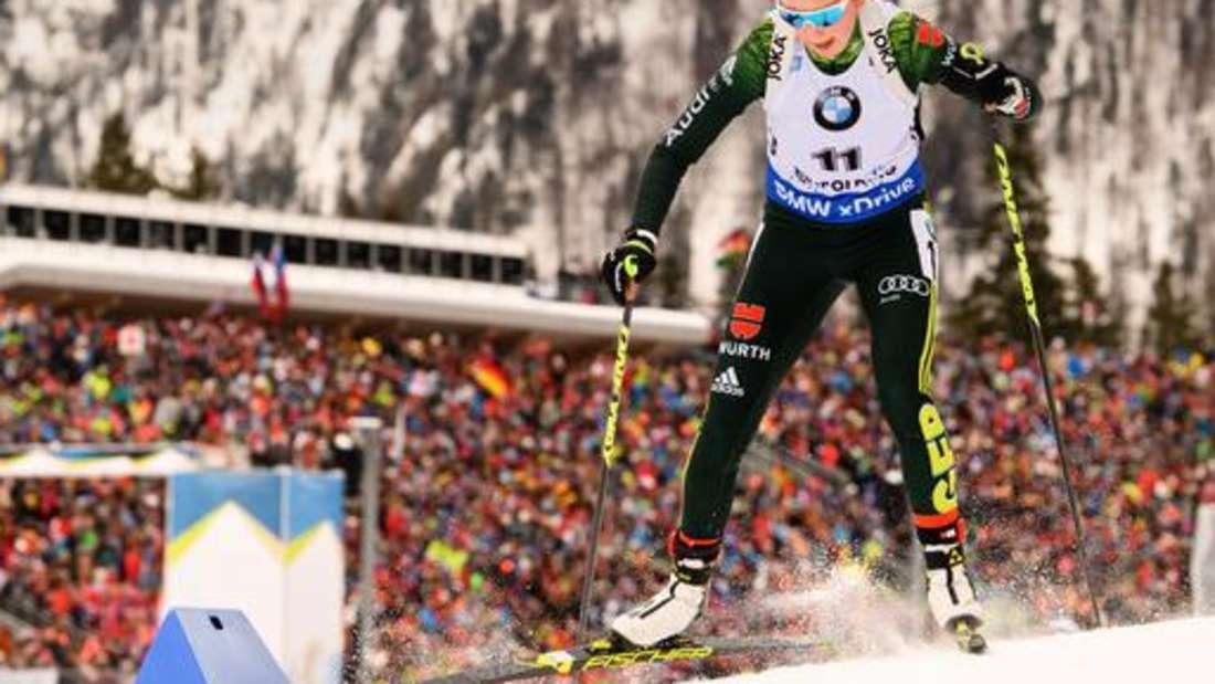 Biathlon: Der Weltcup in Ruhpolding bietet Jahr für Jahr spektakuläre Bilder. Hier ist Lokalmatadorin Franziska Preuß auf der Strecke.