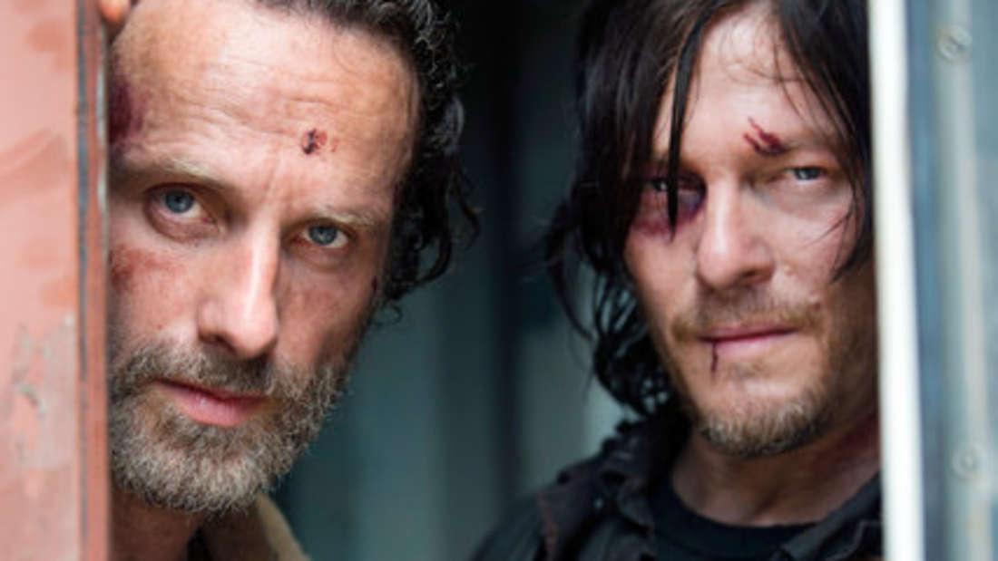 """Norman Reedus alias Daryl Nixon(v.r.) hatte noch nie eine ernsthafte Liebesbeziehung in """"The Walking Dead"""". Jetzt klärt die Showrunnerin auf."""