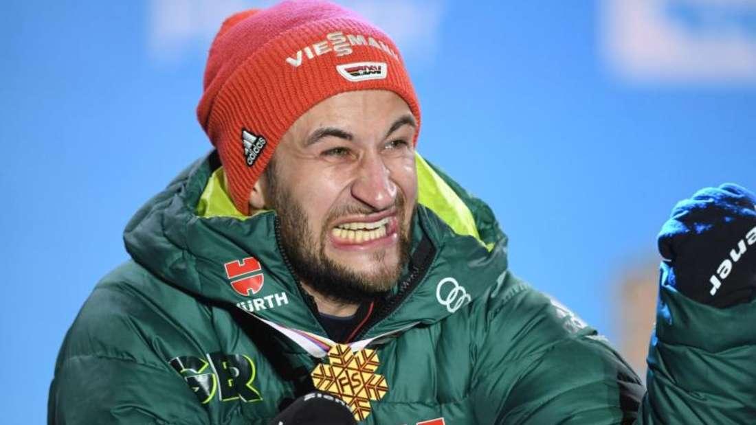Markus Eisenbichler ist in Seefeld vor zehn Monaten dreimal Weltmeister geworden. Foto: Hendrik Schmidt/zb/dpa