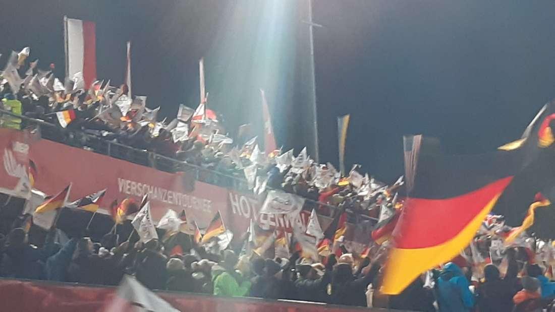 Die Fans feiern hier ihren Helden Karl Geiger.