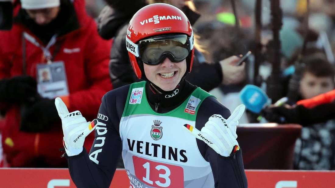 Springen in Garmisch: Der junge Deutsche Constantin Schmid wird als Siebter zweitbester Deutscher.