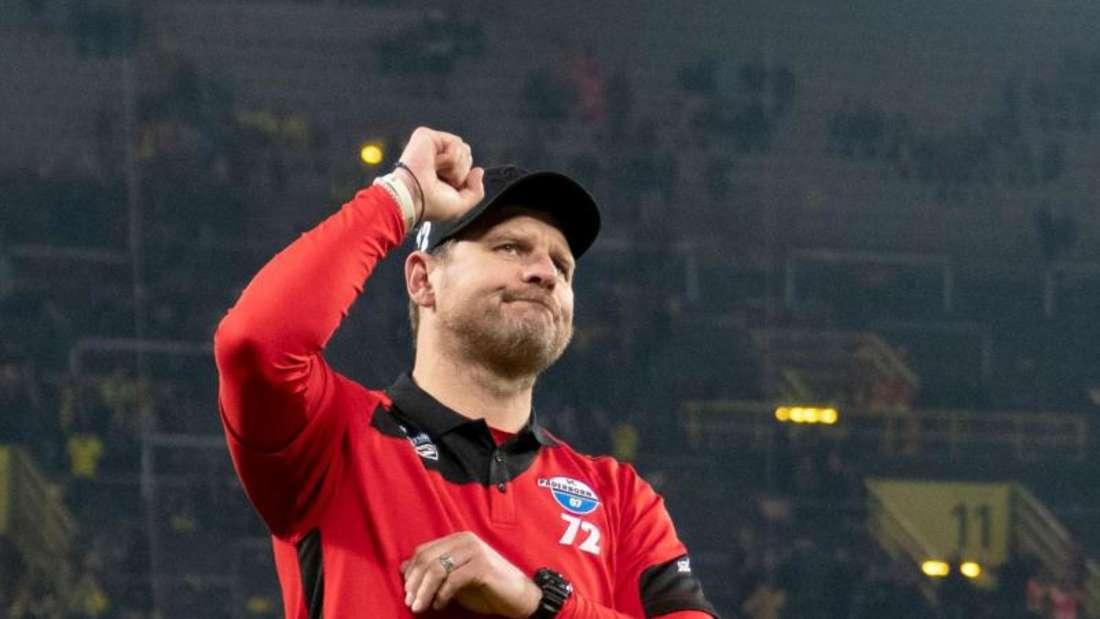 «Das ist für mich ein pures Glück. Glauben Sie mir: Ich freue mir den Arsch wund.» Steffen Baumgart. Foto: Bernd Thissen/dpa