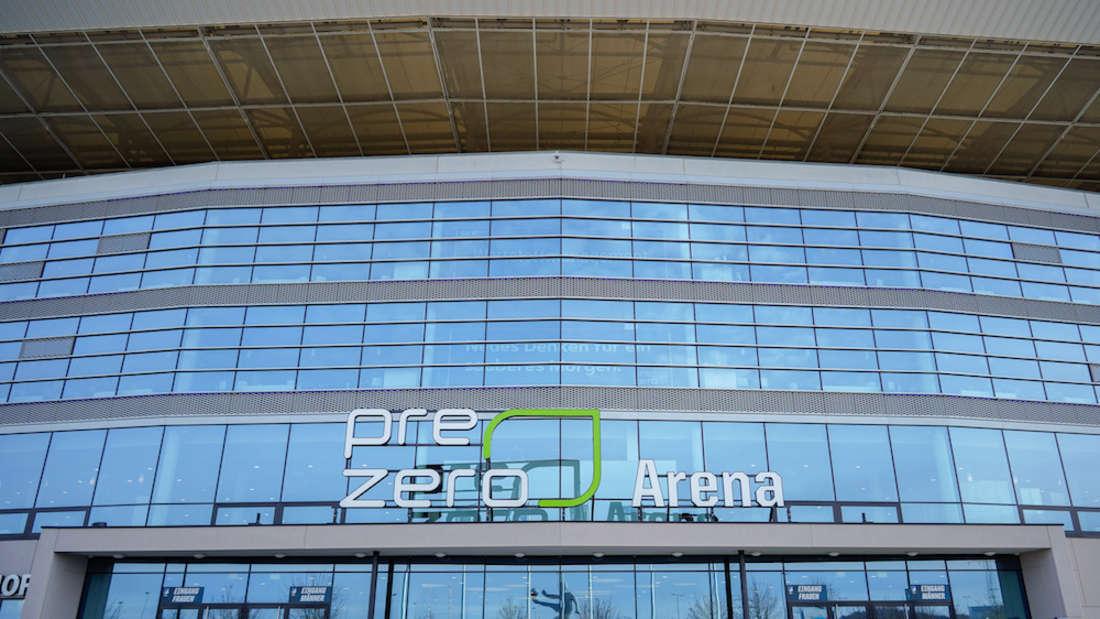 Künftig wird es in der PreZero Arena nur noch Mehrwegbecher geben.