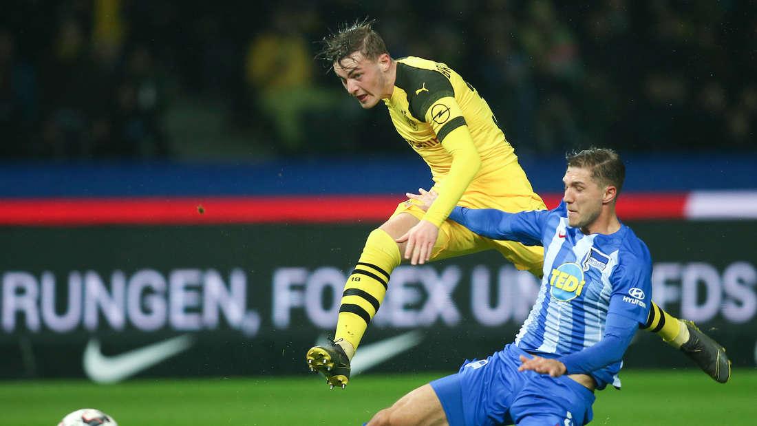 Jacob Bruun Larsen (li.) wechselt zur TSG Hoffenheim.