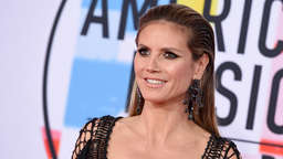 Heidi Klum postet schräges Video mit Hard-Rock-Band - User belustigt