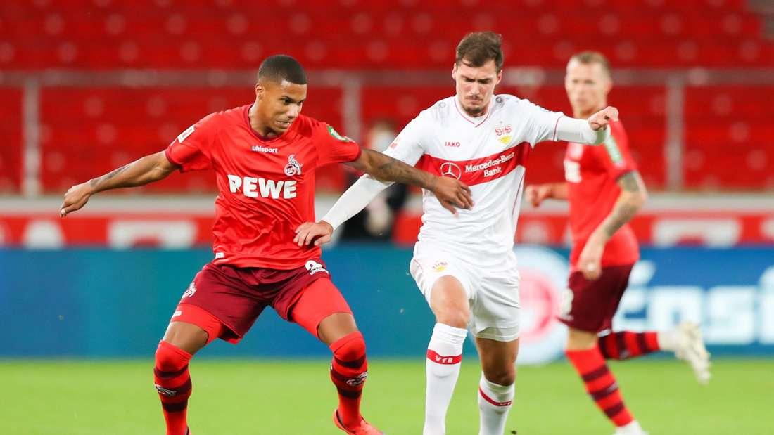 Pascal Stenzel vom VfB Stuttgart im Zweikampf