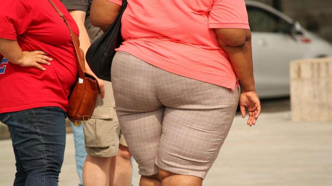 Übergewicht belastet den gesamten Kreislauf. Aus überflüssigen Pfunden können Herz-Kreislauf-Erkrankungen, Muskel- und Gelenkbeschwerden resultieren.
