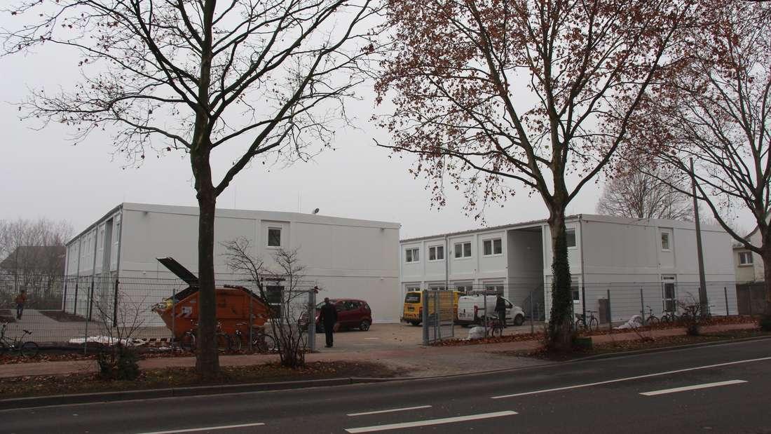 Die Unterkunft in Oggersheim besteht aus drei Gebäuden mit Platz für bis zu 300 Menschen (Archivbild).