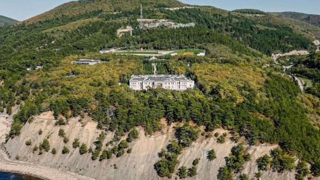 Palast an der Schwarzmeerküste