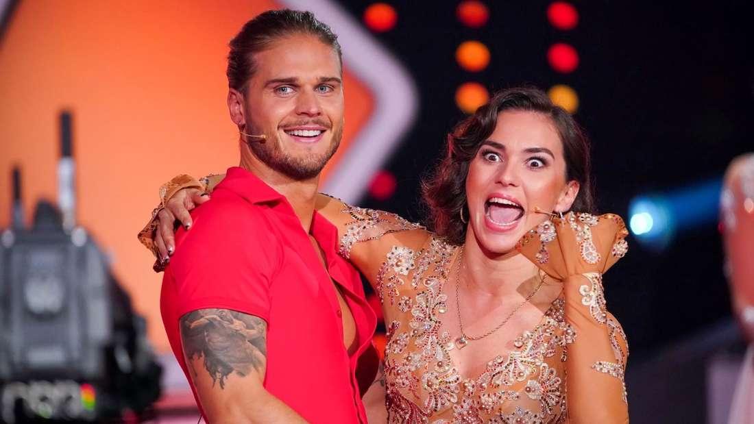 Let's Dance: Rúrik Gíslason (li.) mit seiner Tanzpartnerin Renata Lusin (r.).