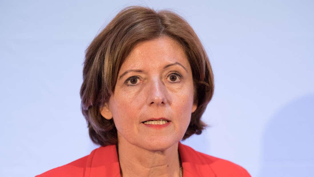 Malu Dreyer äußert sich zu den Entscheidungen der Gipfel-Konferenz mit Kanzlerin Merkel (Archivbild).