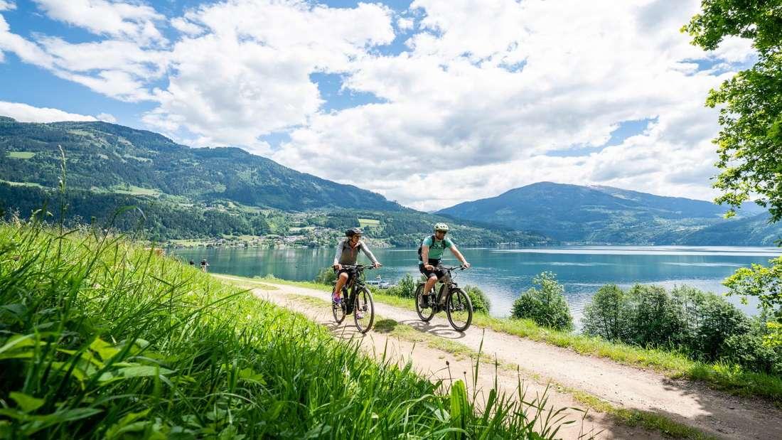E-Biken am Millstätter See in Kärnten.
