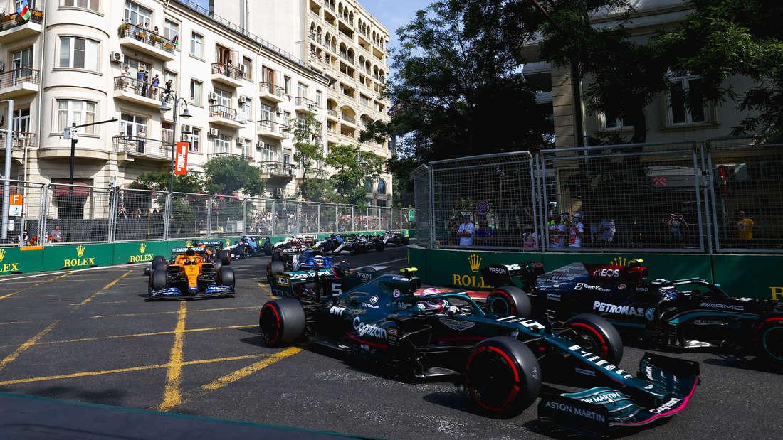 Sebastian Vettel kämpft beim Rennen in Baku ums Podium.