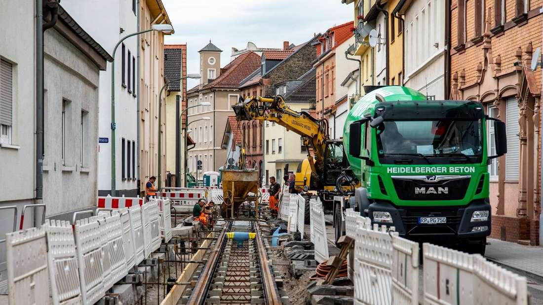 Die Gleisarbeiten in der Luitpoldstraße in LU-Friesenheim.