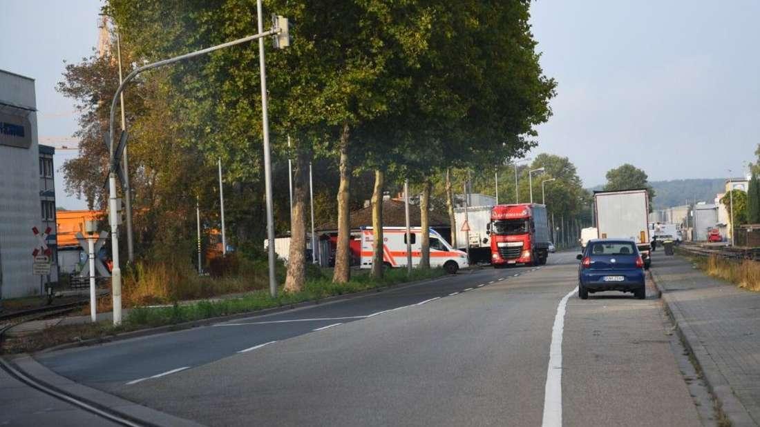 Krankenwagen fährt auf der Straße